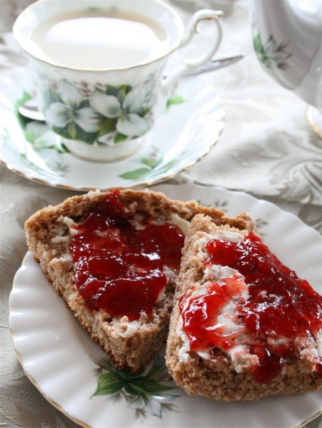 Royal Wedding Scones 01