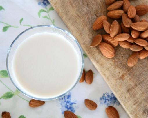 Almond Milk 03