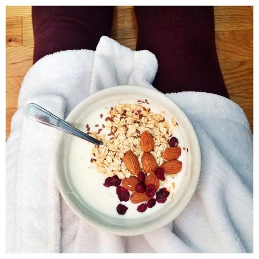 Yogurt with Oats and Almonds